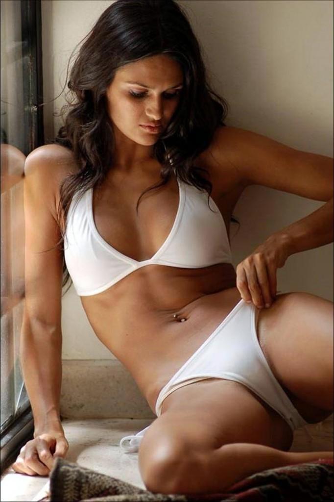 Leryn Franco Bikini