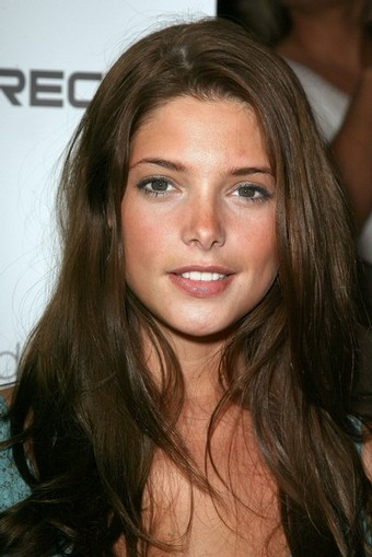 Ashley Greene Face