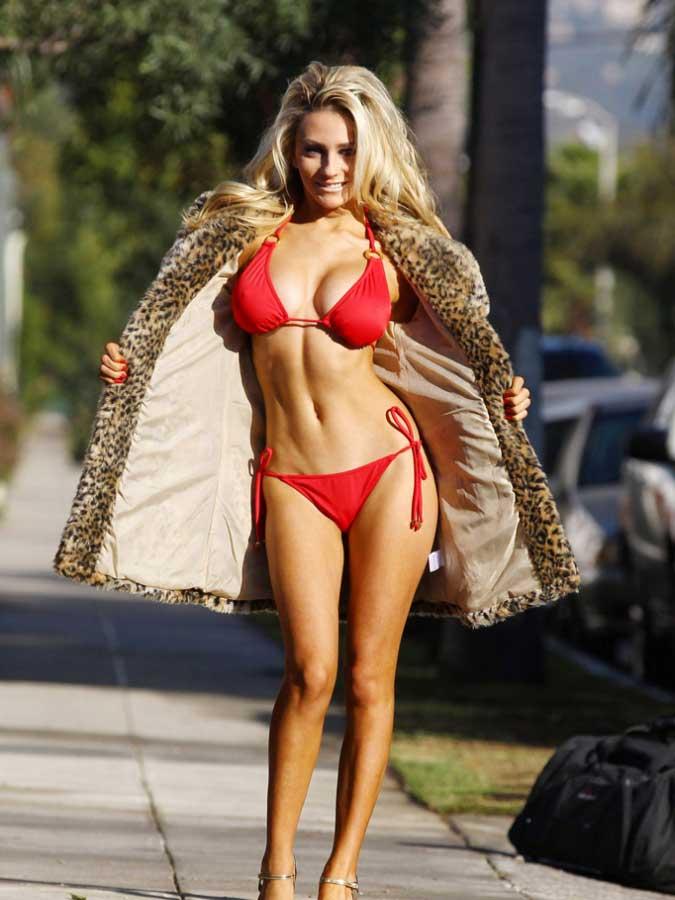 Courtney Stodden Sexy Bikini Pics