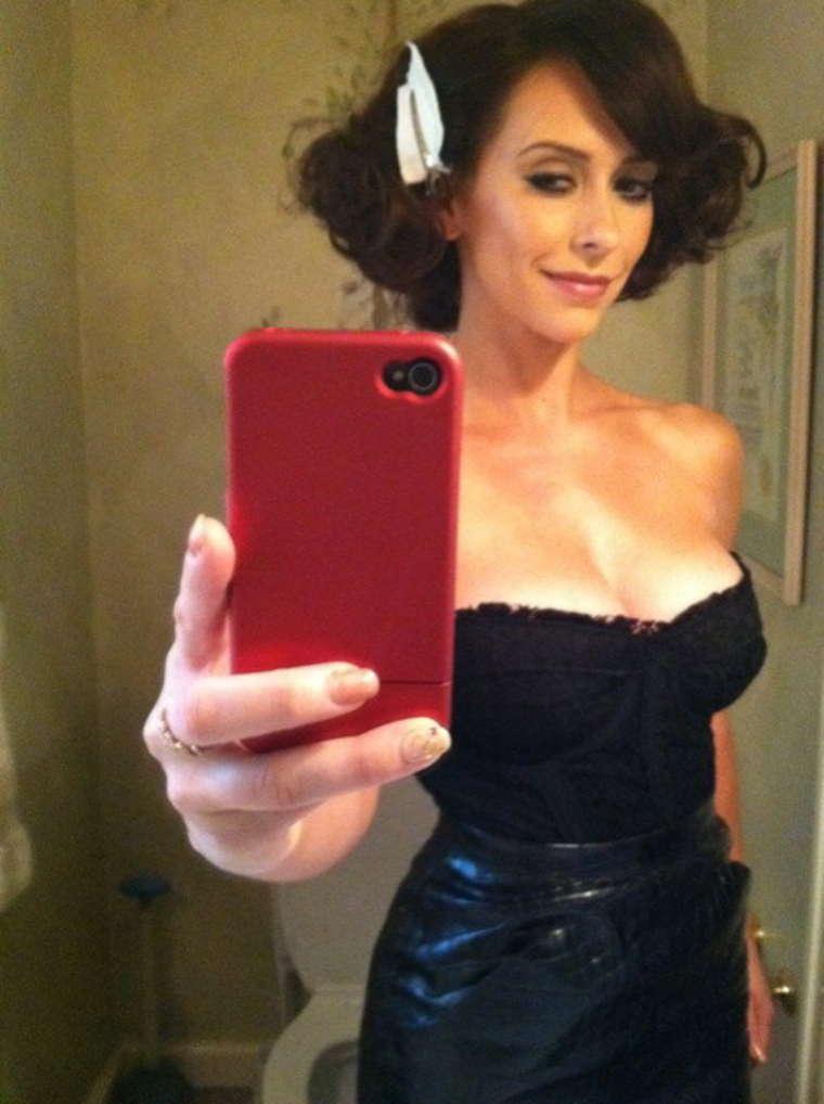Jennifer Love Hewitt Selfie