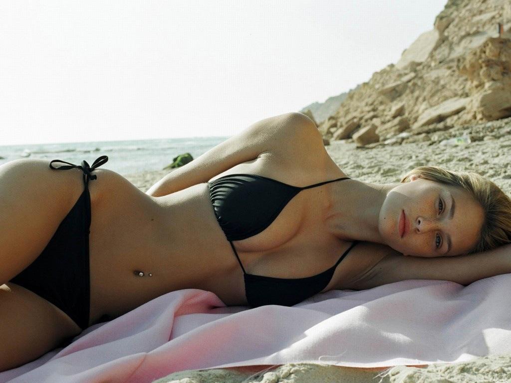 Bar Refaeli Natural Tits